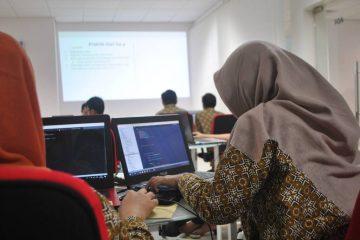 Chicas y sus ordenadores